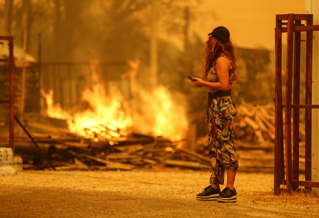 У Туреччині пожежа дійшла до житлових районів на півдні країни, людей евакуювали