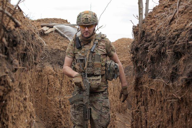 Від початку доби на Донбасі загинув український військовий