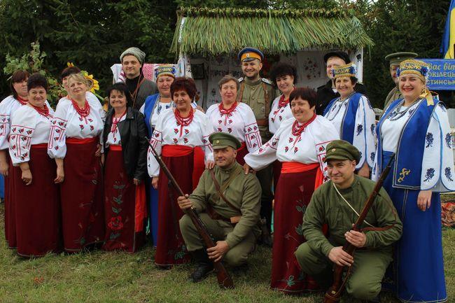 У селі Сестринівка на Вінниччині відзначили 155-річчя з дня народження Михайла Грушевського