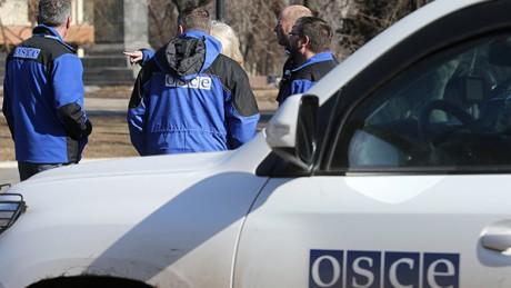 Автобуси перевозили в РФ мешканців ОРДЛО для голосування - ОБСЄ